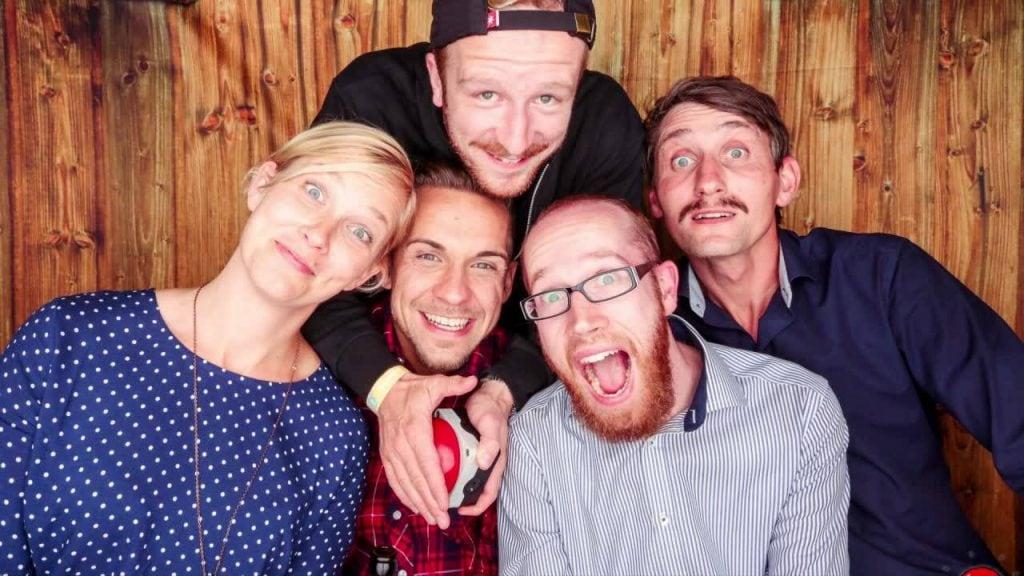Die Vereinsgründer Saskia Rudolph, Chris Ludwig, Roman Schwarz, Tom Wonneberger und Stephan Busch